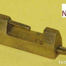 Antigüedades: CANDADO DE FANTASIA EN BRONCE - MUY RARO - CON LLAVE. Lote 205161126