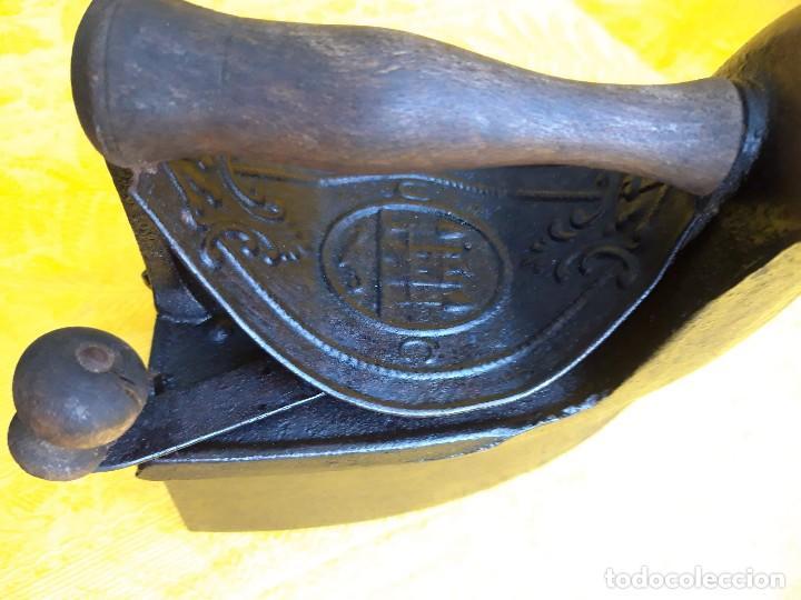 Antigüedades: Plancha de hierro fundido hacia 1900 - Foto 5 - 205199308
