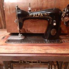 Antigüedades: MAQUINA DE COSER ALFA. Lote 205242550