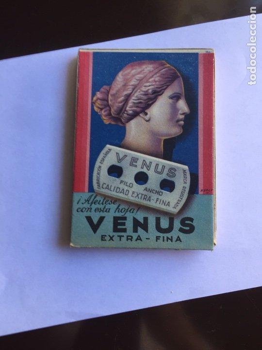 Antigüedades: CAJA PRECINTADA CON 100 HOJAS DE AFEITAR MARCA VENUS EXTRA FINA.FILO ANCHO 1942 ESPAÑOLA.VER FOTOGRA - Foto 4 - 246747610