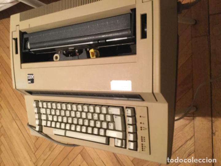Antigüedades: Máquina de escribir eléctrica IBM - Foto 3 - 205254808