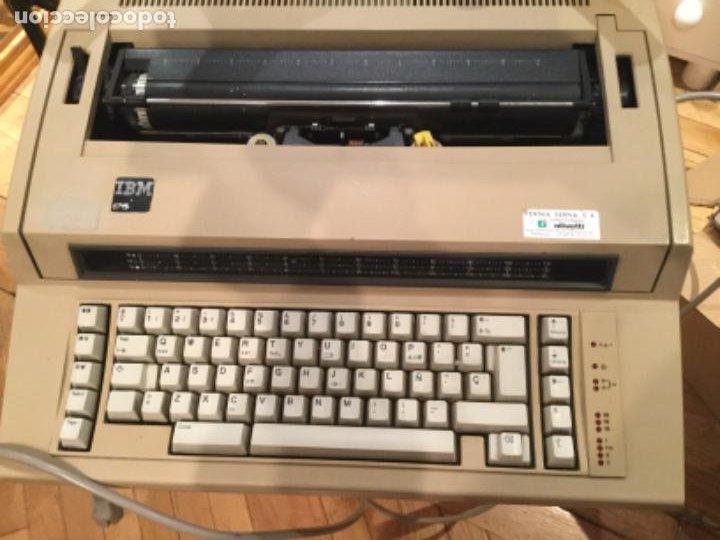 Antigüedades: Máquina de escribir eléctrica IBM - Foto 5 - 205254808