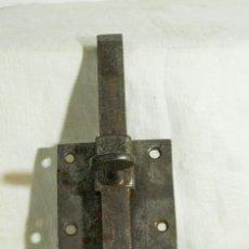 Antigüedades: CERROJO FORJA. Lote 205256786