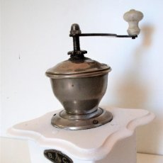 Antigüedades: MOLINILLO DE CAFÉ MARCA B.C. ALEMANIA. CA. 1935. Lote 205311562
