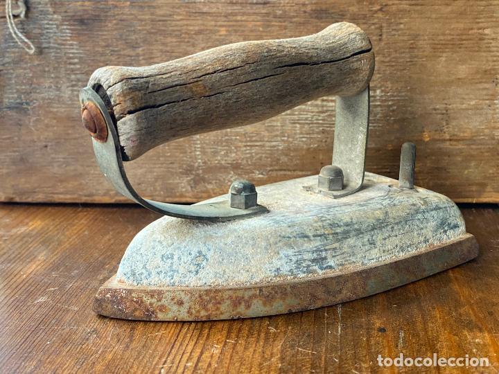 PLANCHA ANTIGUA EN HIERRO (Antigüedades - Técnicas - Planchas Antiguas - Hierro)