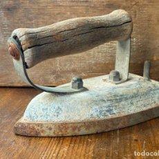 Antigüedades: PLANCHA ANTIGUA EN HIERRO. Lote 205361046