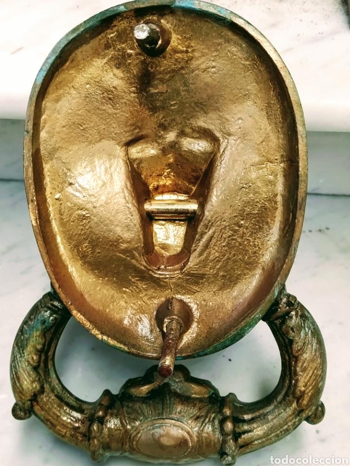 Antigüedades: Magnifico llamador de puerta en bronce. Grandes dimensiones. Siglo XVIII/XIX. - Foto 2 - 205457263