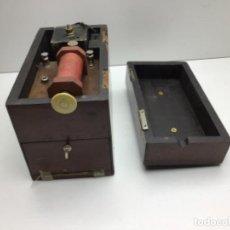 Antigüedades: INSTRUMENTAL MÉDICO ANTIGUO - DESCARGAS ELECTRICO - CH. C. PARIS - CHARLES CHARDIN - PARIS. Lote 205509206