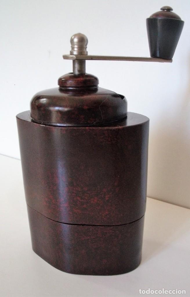 Antigüedades: ESCASÍSIMO MOLINILLO DE CAFÉ DE BAQUELITA MARCA ARMIN TRÖSSER. ALEMANIA. CA. 1920 - Foto 6 - 205574047