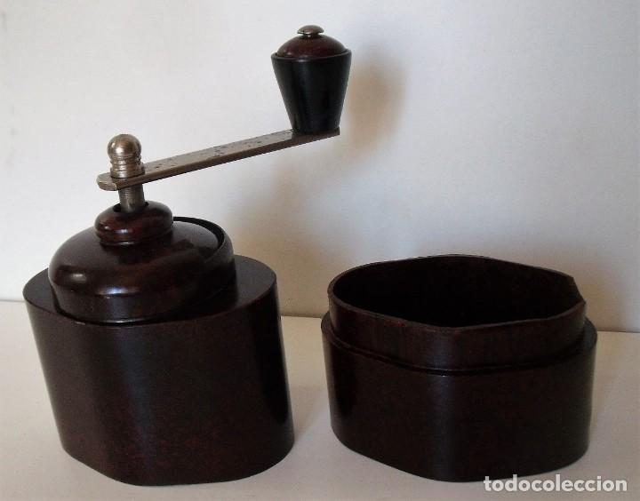 Antigüedades: ESCASÍSIMO MOLINILLO DE CAFÉ DE BAQUELITA MARCA ARMIN TRÖSSER. ALEMANIA. CA. 1920 - Foto 18 - 205574047