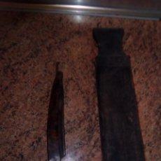 Antigüedades: NAVAJA DE BARBERO GOLINGEN CON SU AFILADOR. Lote 205650348