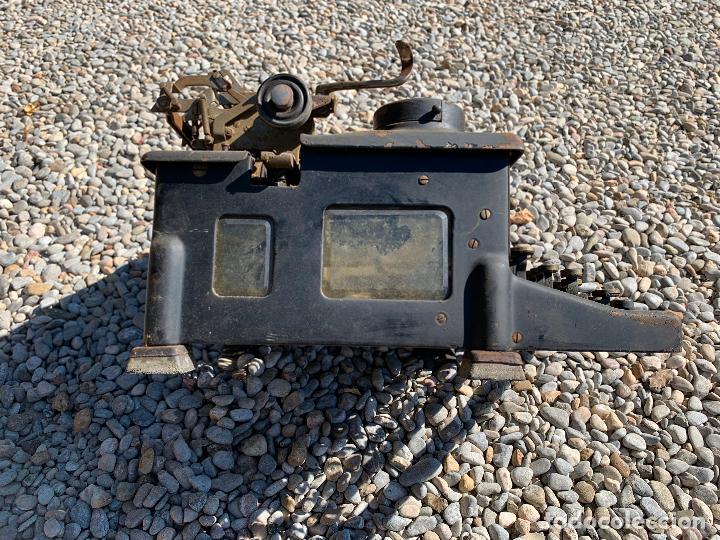 Antigüedades: Encantadora maquina de escribir antigua, marca ROYAL - Foto 4 - 205765687
