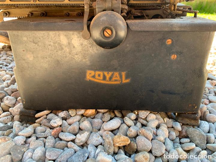 Antigüedades: Encantadora maquina de escribir antigua, marca ROYAL - Foto 7 - 205765687