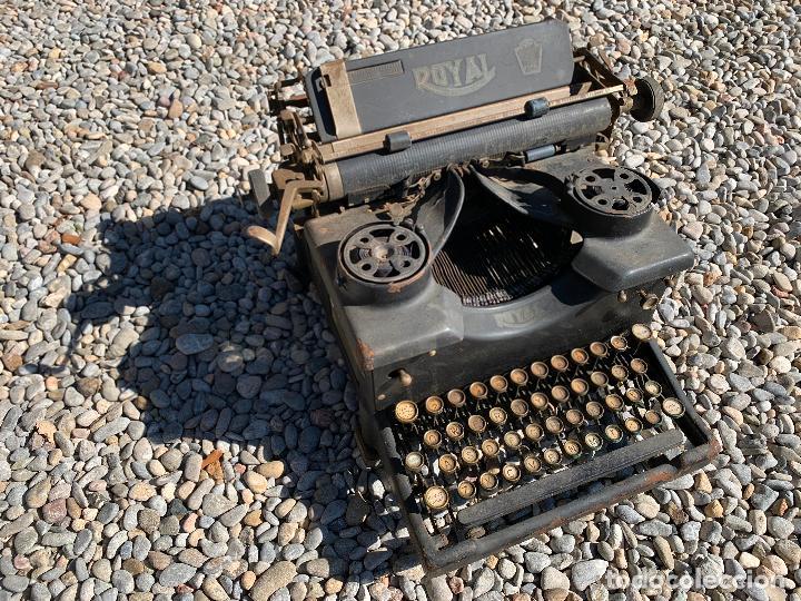 Antigüedades: Encantadora maquina de escribir antigua, marca ROYAL - Foto 14 - 205765687