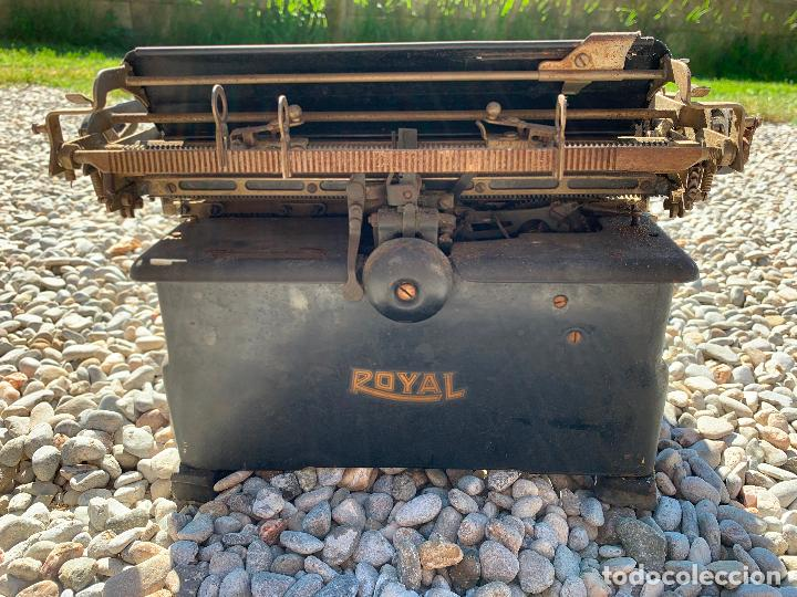 Antigüedades: Encantadora maquina de escribir antigua, marca ROYAL - Foto 16 - 205765687