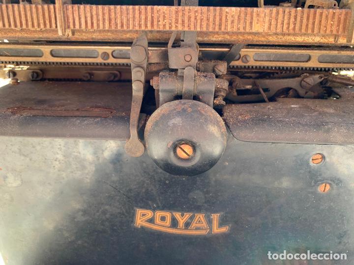 Antigüedades: Encantadora maquina de escribir antigua, marca ROYAL - Foto 17 - 205765687