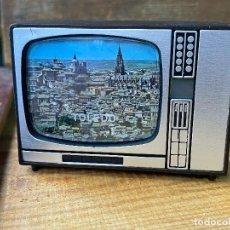 Antigüedades: SOUVENIR TELEVISION DIAPOSITIVAS. Lote 205781192