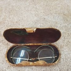 Antigüedades: GAFAS DE VER ANTIGUAS CON CAJA ORIGINAL. Lote 205784011