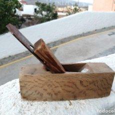 Antigüedades: ANTIGUA HERRAMIENTA DE MADERA ENCINA MARCA CASTILLO CUCHILLA PAJARO CARPINTERO CEPILLO GARLOPA ROBLE. Lote 205876531