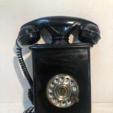 Teléfonos: TELEFONO DE PARET , DECORACION FUNCIONANDO, NO ES MUY ANTIGUO. Lote 206134186