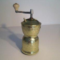 Antigüedades: PRECIOSO MOLINILLO METAL COLOR ORO AÑOS 60´S MUY DECORATIVO. Lote 206367655