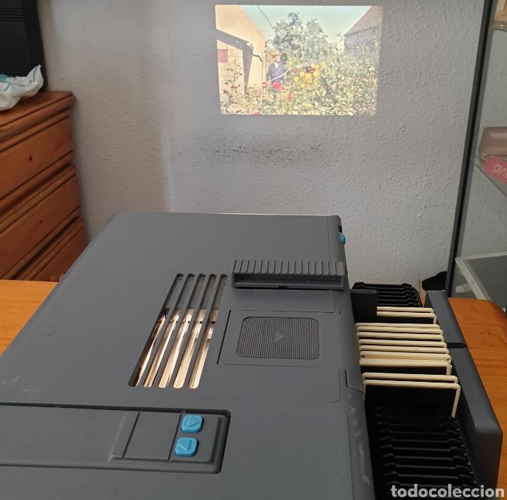 Antigüedades: Vintage Proyector de diapositivas Kindermann diafocus 1500e Kindermann color 2,8/90 mc Germany - Foto 4 - 206390297