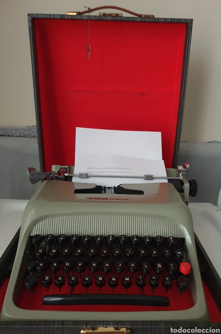 Antigüedades: Antigua máquina de escribir Olivetti - Foto 2 - 206517170