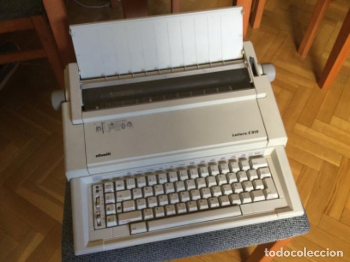 MAQUINA DE ESCRIBIR ELÉCTRICA OLIVETTI (Antigüedades - Técnicas - Máquinas de Escribir Antiguas - Olivetti)
