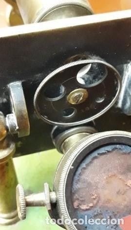 Antigüedades: MICROSCOPIO FRANCES SIGLO XIX. ORIGINAL. bronce.muy buen estado. - Foto 4 - 206762526