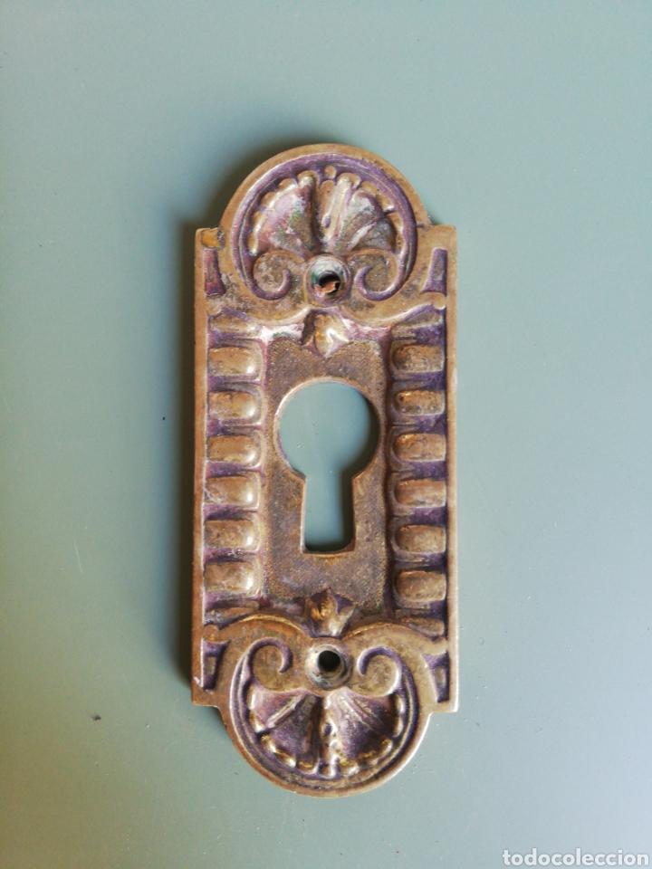 BOCALLAVE DE LATÓN - 9 X 3,8 CM. (Antigüedades - Técnicas - Cerrajería y Forja - Cerraduras Antiguas)
