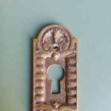Antigüedades: BOCALLAVE DE LATÓN - 9 X 3,8 CM.. Lote 206764566