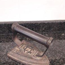 Antigüedades: ANTIGUA PLANCHA DE HIERRO. Lote 206875980