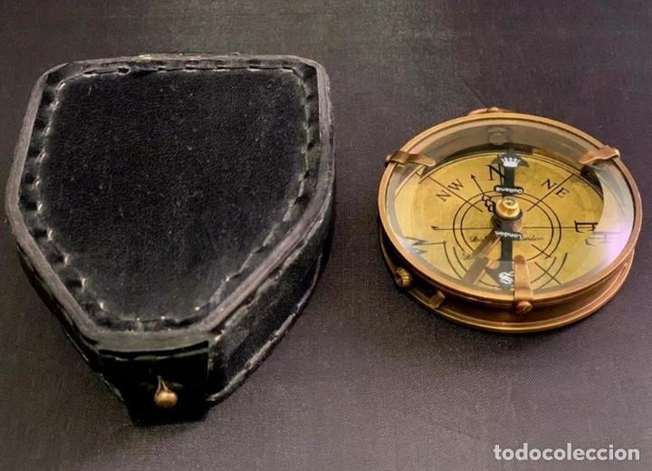 BRÚJULA DE BARCO - COMPÁS NÁUTICO - CON ESTUCHE DE PIEL - DOLLOND LONDON INSTRUMENTO CIENTIFICO (Antigüedades - Antigüedades Técnicas - Marinas y Navales)