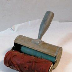 Antigüedades: RODILLO CON DEPOSITO. Lote 206977928