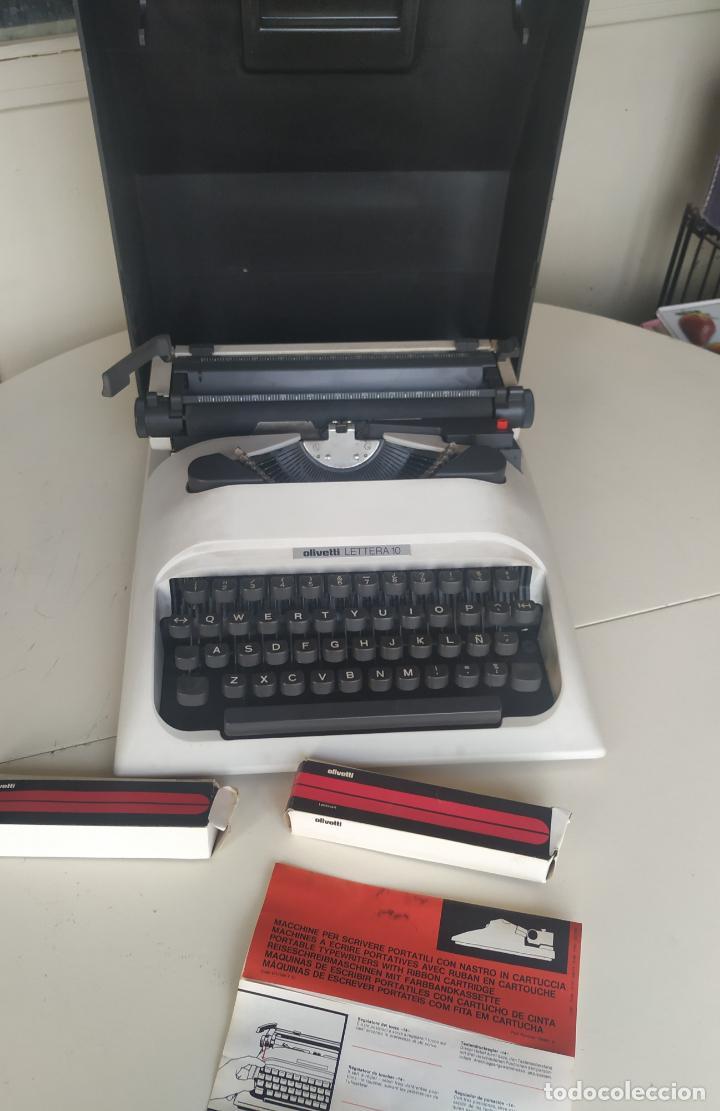 Antigüedades: Máquina de escribir Olivetti Lettera 10 + 2 cartuchos cinta. Maletín. Funcionando - Foto 9 - 206983320