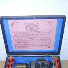 Antigüedades: ANTIGUA LINTERNA MAGICA J.F. Y CAJA ORIGINAL THE STANDARD MAGIC LANTERN E.P.. Lote 207006056