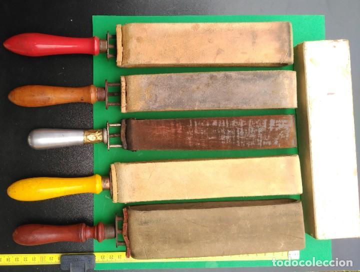Antigüedades: SUAVIZADOR, ASENTADOR o AFILADOR de cuero para navajas de afeitar, barbero - Foto 4 - 173868580