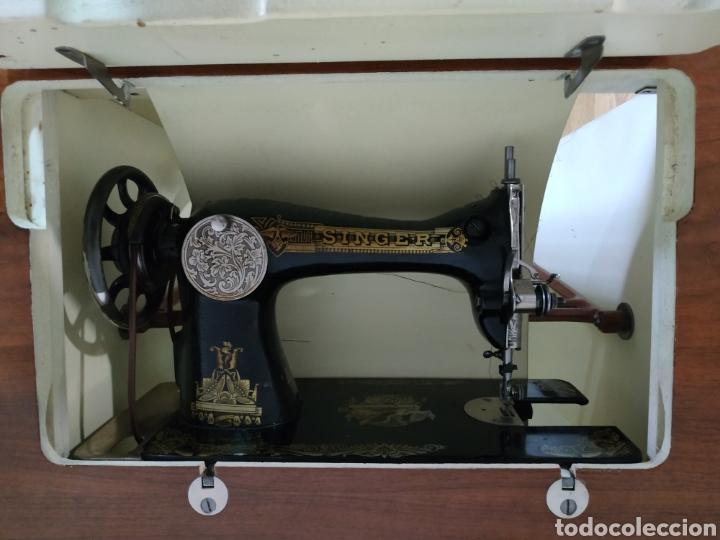 Antigüedades: MAQUINA DE COSER SINGER CON MUEBLE - Foto 6 - 207128593