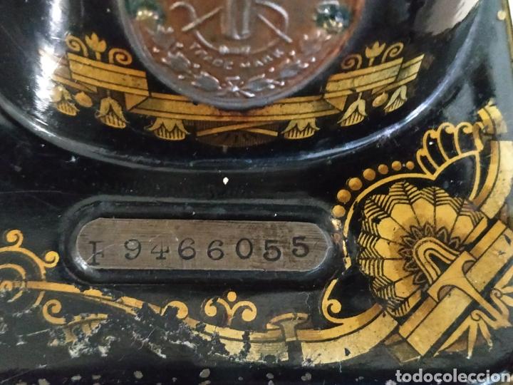 Antigüedades: MAQUINA DE COSER SINGER CON MUEBLE - Foto 11 - 207128593