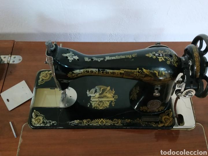 Antigüedades: MAQUINA DE COSER SINGER CON MUEBLE - Foto 14 - 207128593
