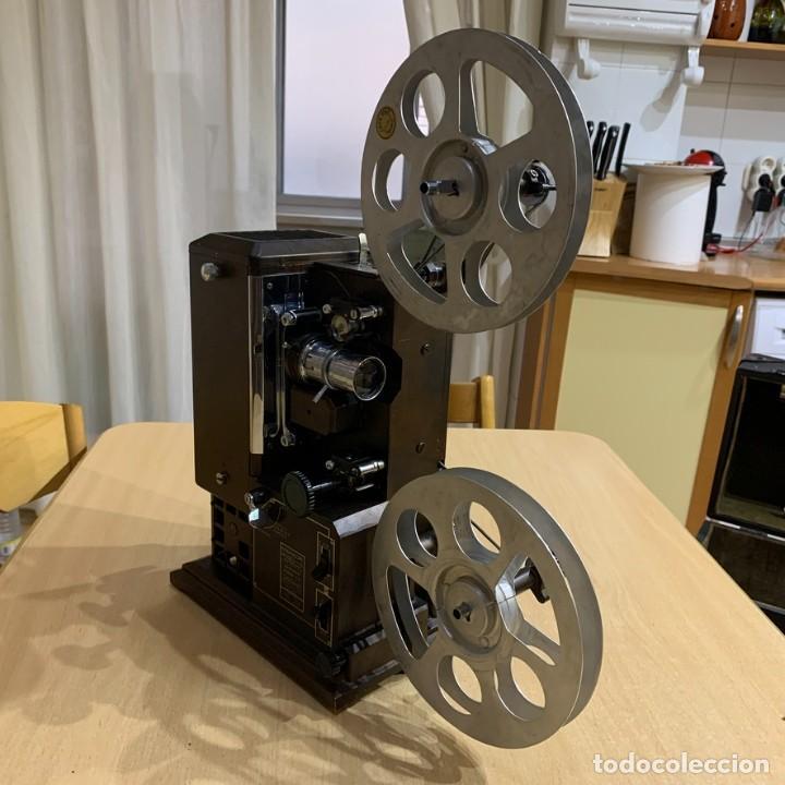 Antigüedades: Proyector de cine 16mm Kodascope modelo K - Foto 2 - 207152371