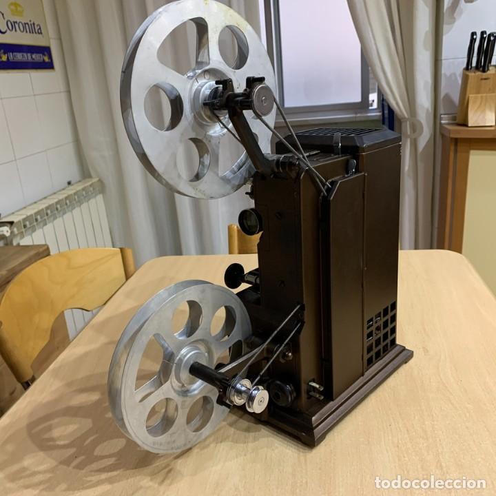 Antigüedades: Proyector de cine 16mm Kodascope modelo K - Foto 3 - 207152371
