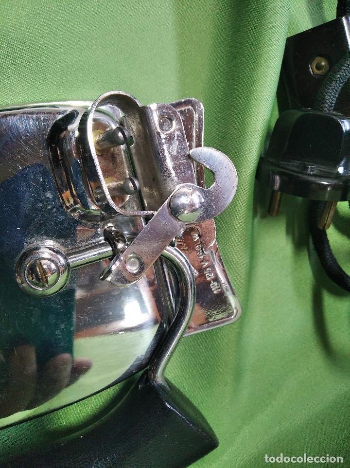 Antigüedades: Plancha de viaje muy rara , perfecta funcionando ,el asa se dobla para meterla en su bolsa PATENTADA - Foto 7 - 207239766