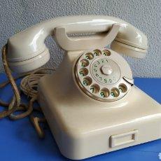 Teléfonos: TELÉFONO ANTIGUO ALEMÁN DE BAQUELITA. TELÉFONO ANTIGUO DE DISCO.. Lote 207389866
