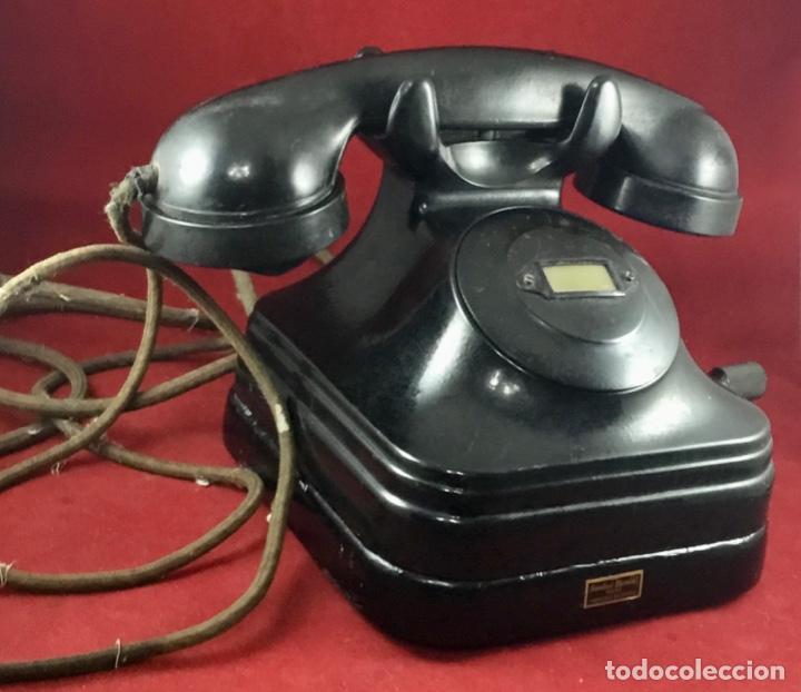 Teléfonos: Teléfono sobremesa baquelita, de magneto, batería local, de Standard Eléctrica, para la CTNE. - Foto 2 - 141304158