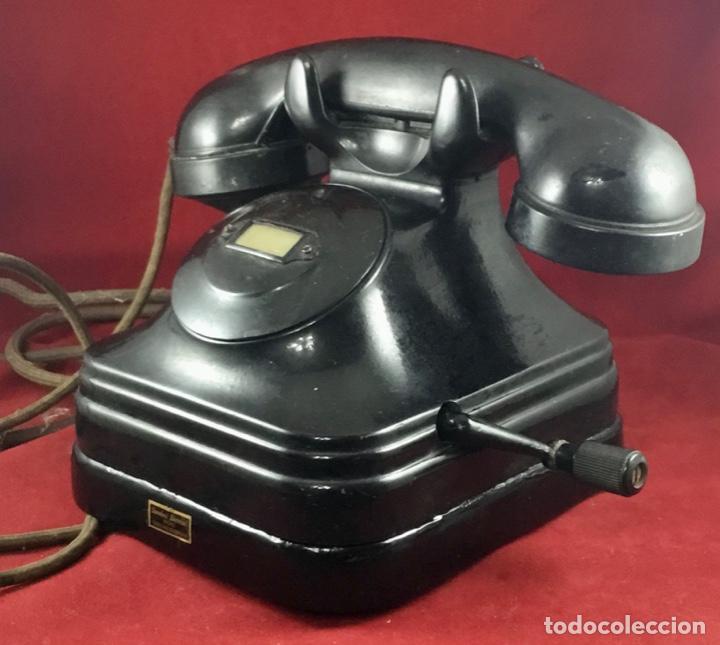 Teléfonos: Teléfono sobremesa baquelita, de magneto, batería local, de Standard Eléctrica, para la CTNE. - Foto 3 - 141304158
