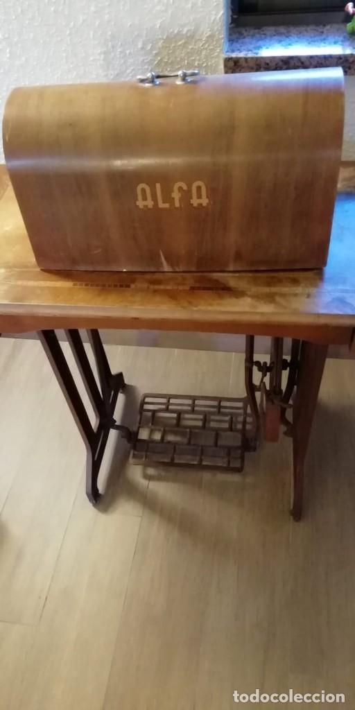 Antigüedades: Maquina de coser antigua Alfa. - Foto 2 - 207587993