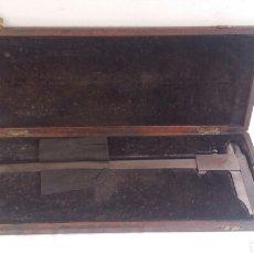 Antigüedades: ANTIGUO PIE DE REY MEDIDA GRANDE PARA MEDIDAS DIÁMETRO .MIDE 40 CM. Lote 207593178