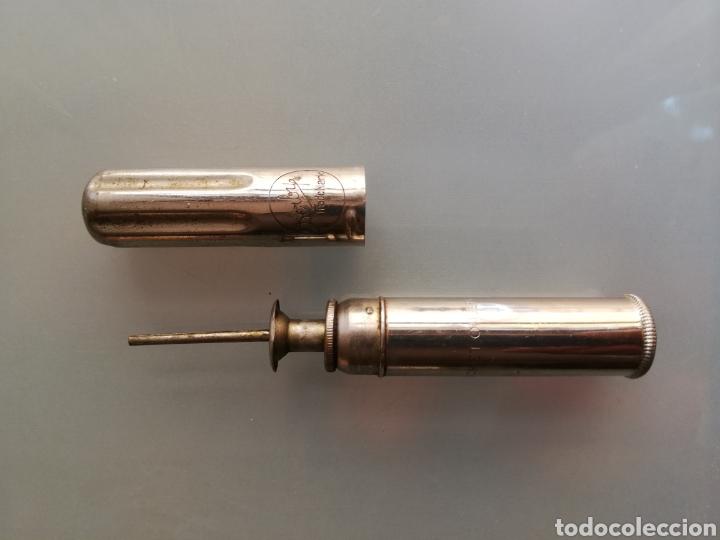 PERFECT POCKET OILER, DERBY~MADE IN USA - ACEITERA DE ÉMBOLO - 10,5 CM LARGO - 1,5 CM DIÁMETRO (Antigüedades - Técnicas - Varios)