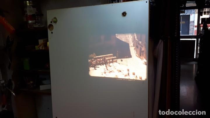 Antigüedades: Proyector Bell Hawell 16 mm. USA. - Foto 14 - 207989438